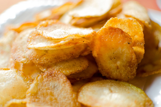 Easy recipe to make potato chips in the microwave.