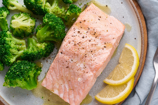 Easy salmon recipe to make salmon in 5 minutes in the microwave.